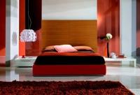 Тапицирано легло в червено